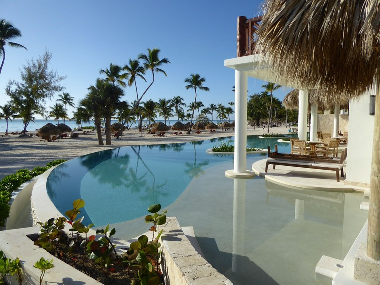 Cheap All Inclusive Resorts In Punta Cana Dominican Republic Beachfront Swim Out Rooms At Secrets Cap Cana Have An Infinity Pool