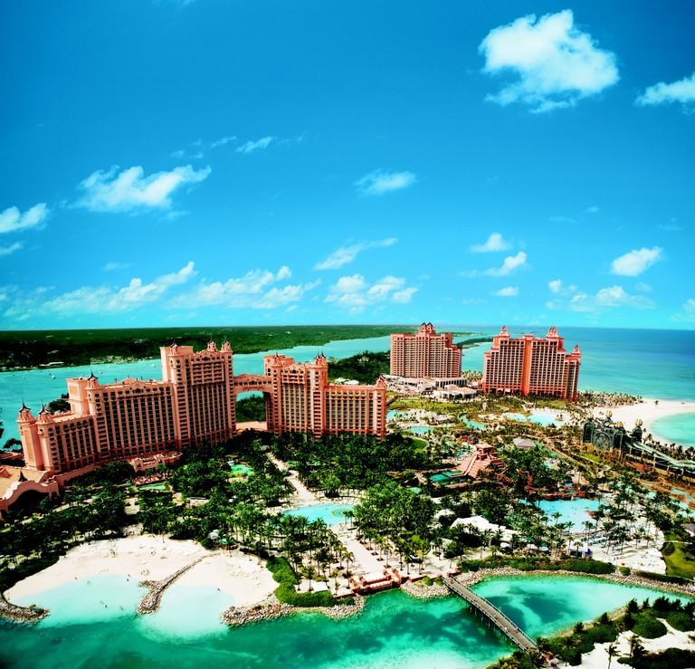 Nassau Bahamas Luxury Resorts Atlantis Paradise Island Resort Introduction And Overview