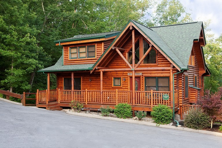Black Bear Cabin Rentals In Pigeon Forge Tn