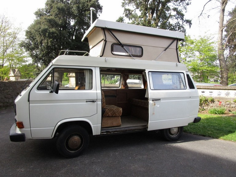 Campervan Sleeps 4