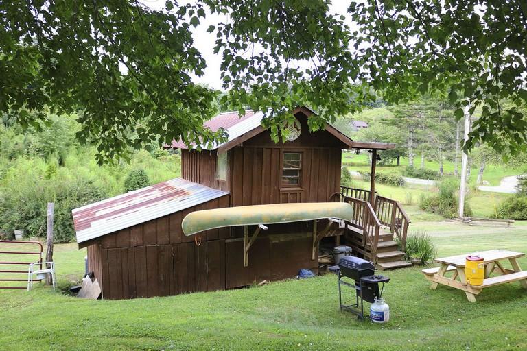 Cowan Lake Cabins Luxury Mountain Glamping Cabin Historic Christmas Tree Farm Nc 2