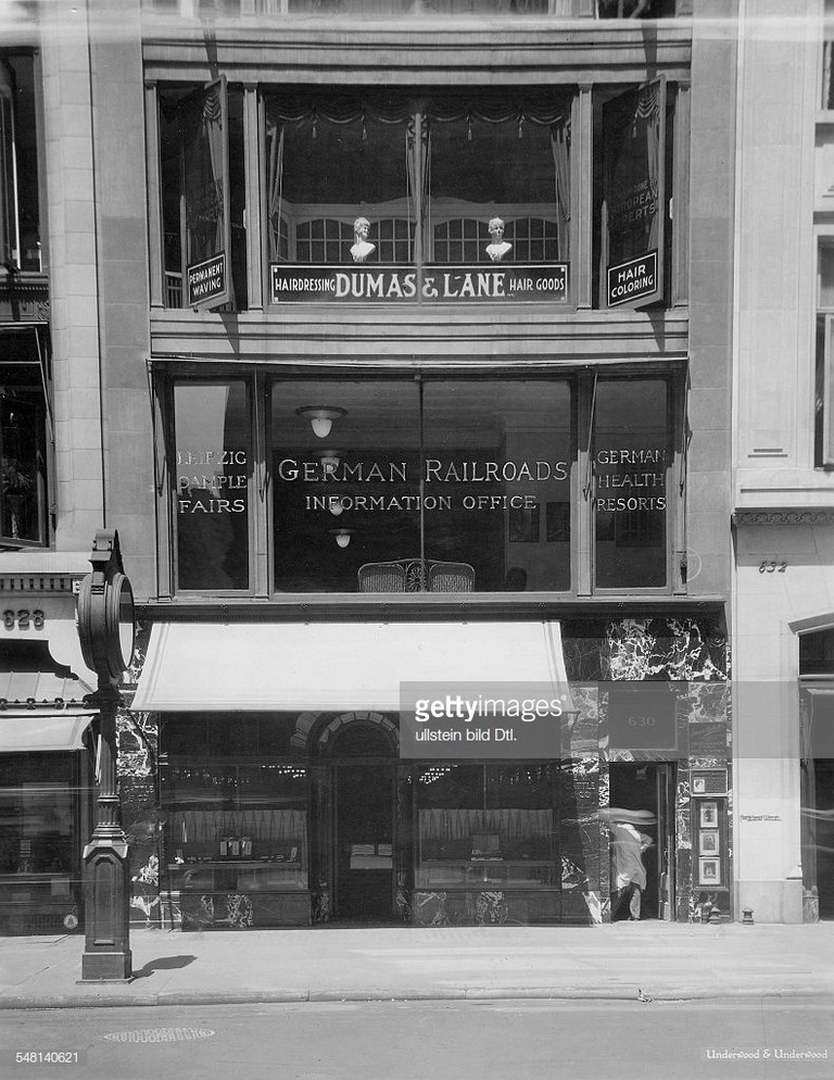 Usa, New York, New York City: German Travel Agency In The 5th Avenue