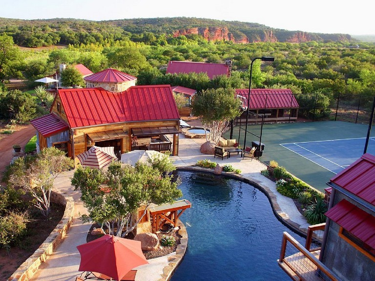 Guadalupe River Cabin Rentals Awesome Mason Vacation Rental Vrbo 8 Br Hill Country Estate In Tx Stock