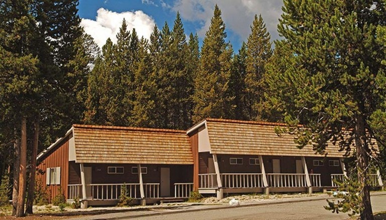 Headwaters Lodge And Cabins At Flagg Ranch Inspirational Canyon Lodge Inside Yellowstone My Yellowstone Park