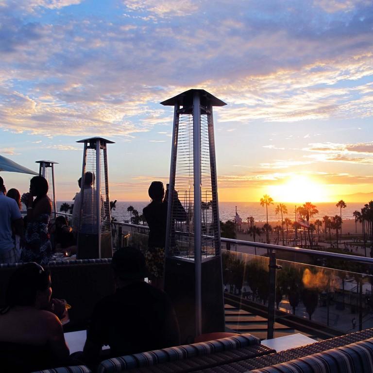 Hotels In Venice California Rooftop Fun At The Erwin Hotel Venice Beach Ca