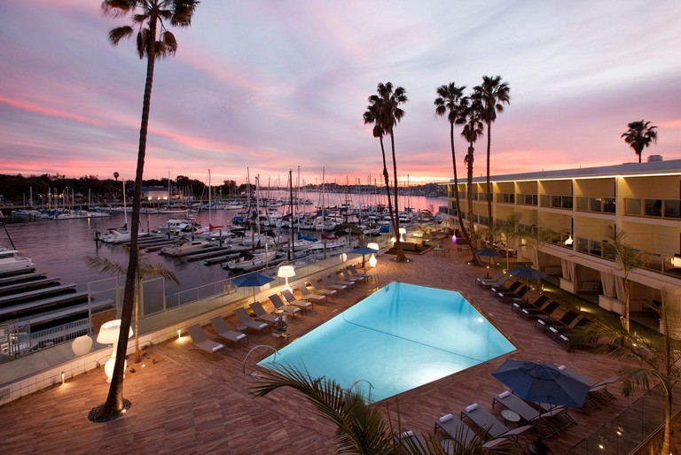 Hotels Near Venice Beach California Beautiful Sunsets From The Marina Del Rey Hotel Located Right On