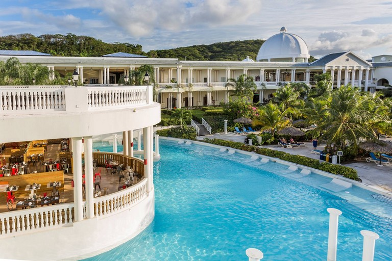 Luxury Resorts In Las Vegas Fabulous Family Friendly Resorts In Jamaica For Every Need Minitime