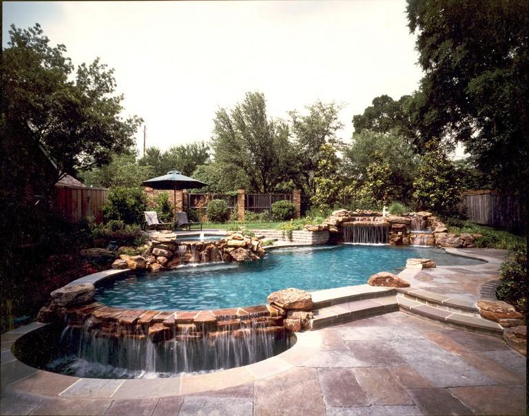 Leisure Living Pools
