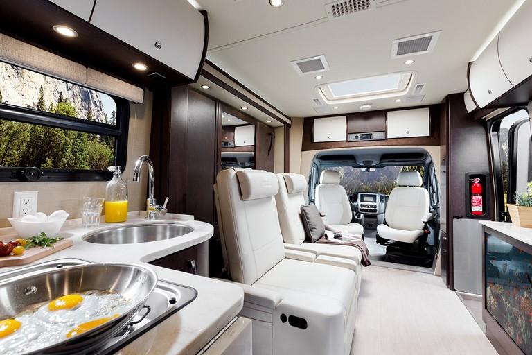Leisure Travel Vans U24mb