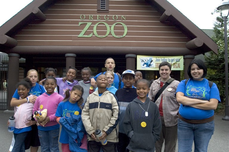 Uno Campers Gather For A Group Shot In Front Of The Oregon Zoo Entrance.