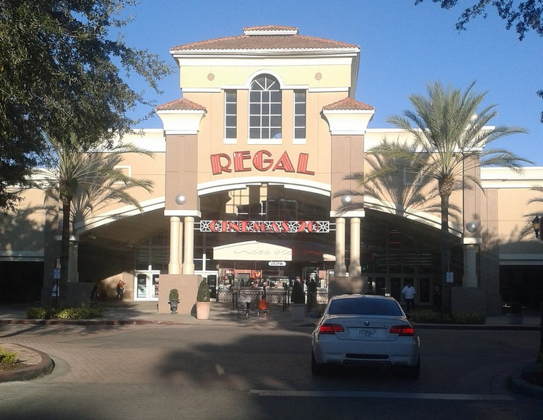 Regal Winter Park Village Stadium 20 & Rpx