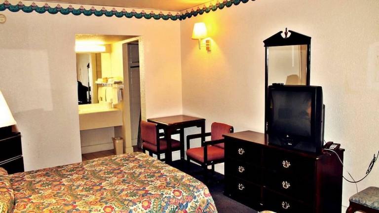 Travel Inn San Antonio