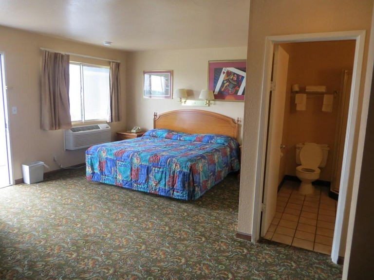 Travelers Inn Topeka Ks