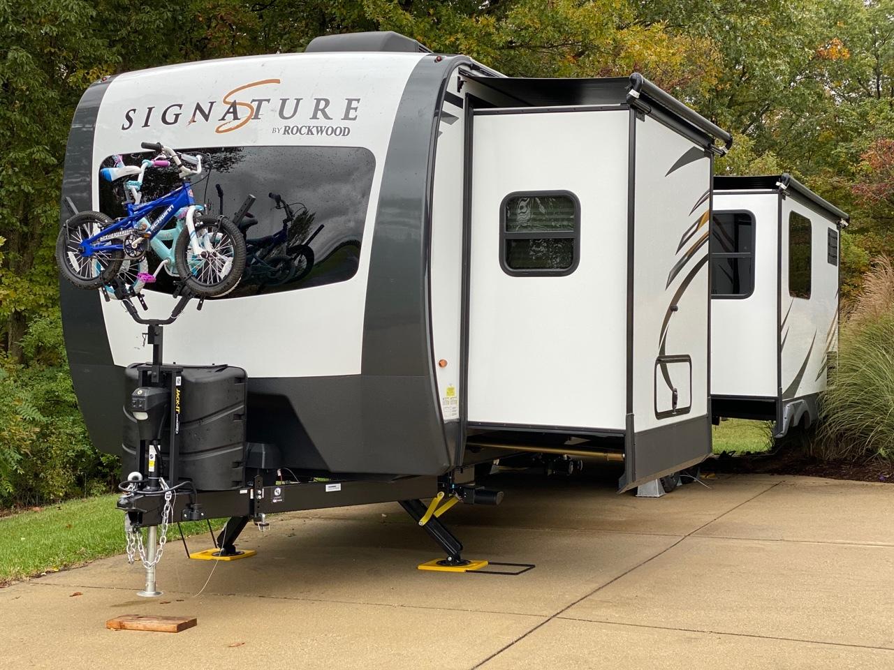 travel trailer with 2 queen beds  rv mattress sizes